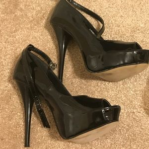 Diba Ankle Strap Heels Size 6